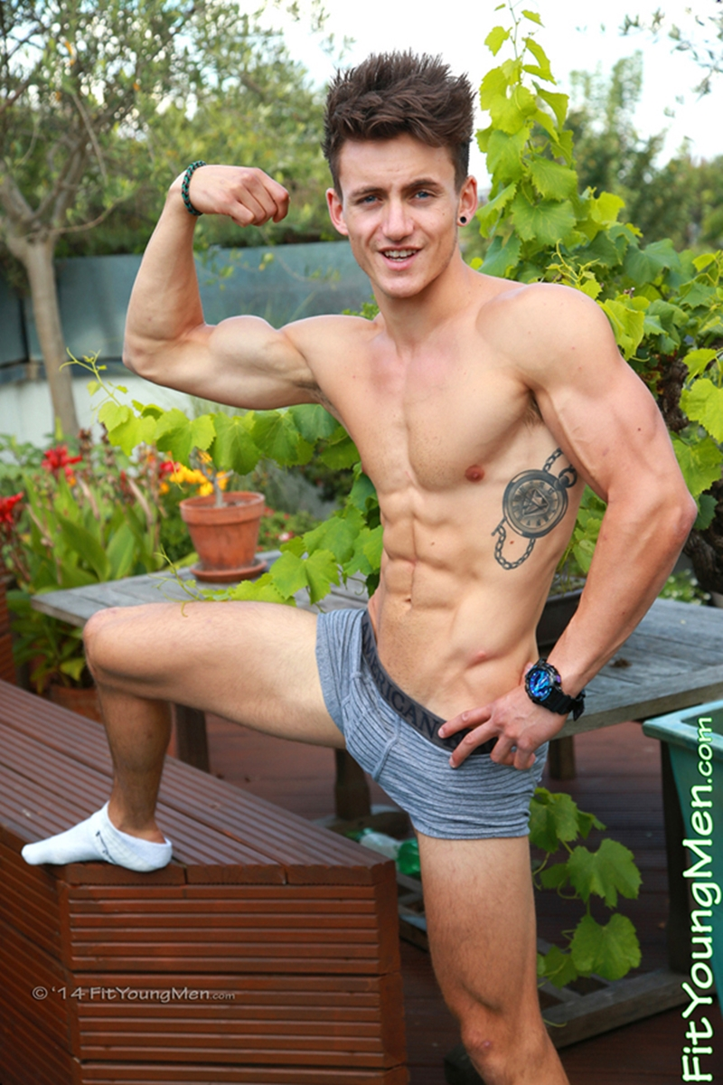 Young Ripped Sailor Travis Banfield Strips Down Showing -2722