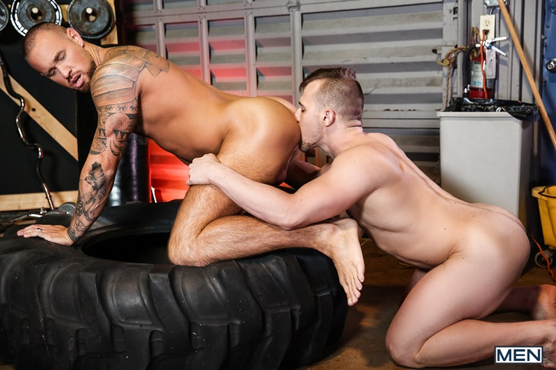Ripped stud Blake Hunter fucks tattooed muscle hunk Michael Roman's smooth bubble butt ass
