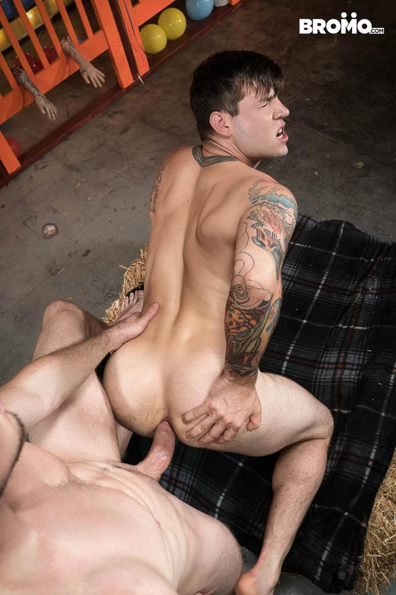 Men for Men Blog Buck-Richards-Pierce-Paris-ass-fucks-muscular-bubble-butt-ass-hole-huge-cock-sucking-Bromo-012-gay-porn-pictures-gallery Pierce Paris throat fucks Buck Richards' mouth with his huge thick dick Bromo
