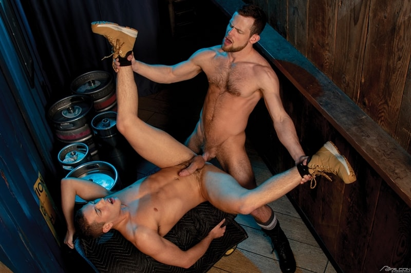 Bottom-boy-Hunter-Smith-hardcore-ass-fucking-anal-rimming-Kurtis-Wolfe-massive-cock-FalconStudios-010-gay-porn-pics-gallery