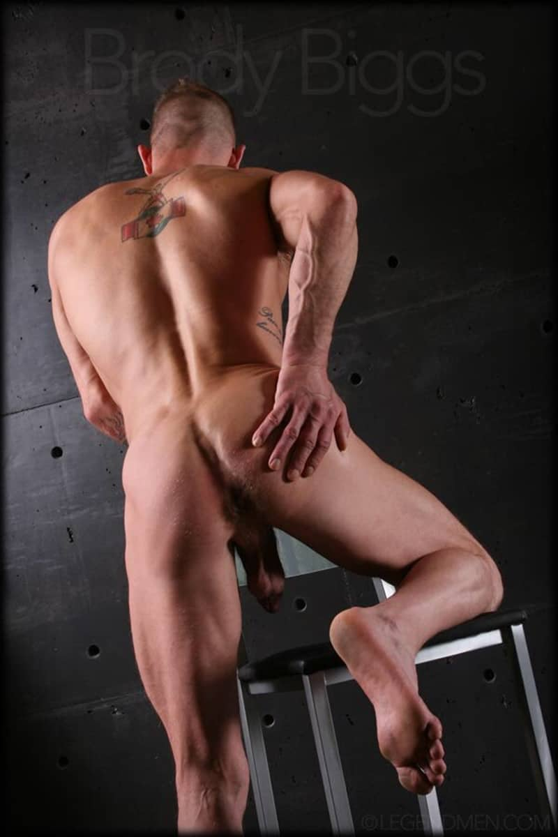 Brody-Biggs-ripped-big-muscle-body-jerks-huge-dick-massive-load-cum-LegendMen-006-gay-porn-pictures-gallery