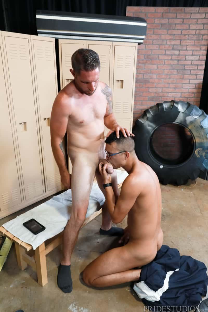 Mike-Lobo-sucking-Matt-Wingman-huge-dick-ExtraBigDicks-007-Gay-Porn-Pics