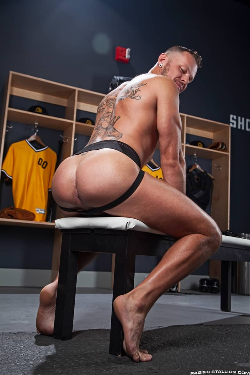 Wade-Wolfgar-Donnie-Argento-ass-cheeks-rimming-eats-his-hole-RagingStallion-008-Gay-Porn-Pics