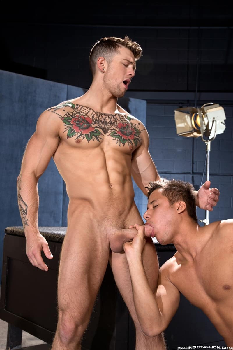 Hottie muscle hunks Sebastian Kross and Clark Franco hardcore anal fucking